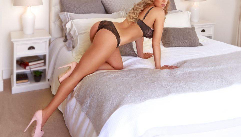 escort-berlin-model-laura-02
